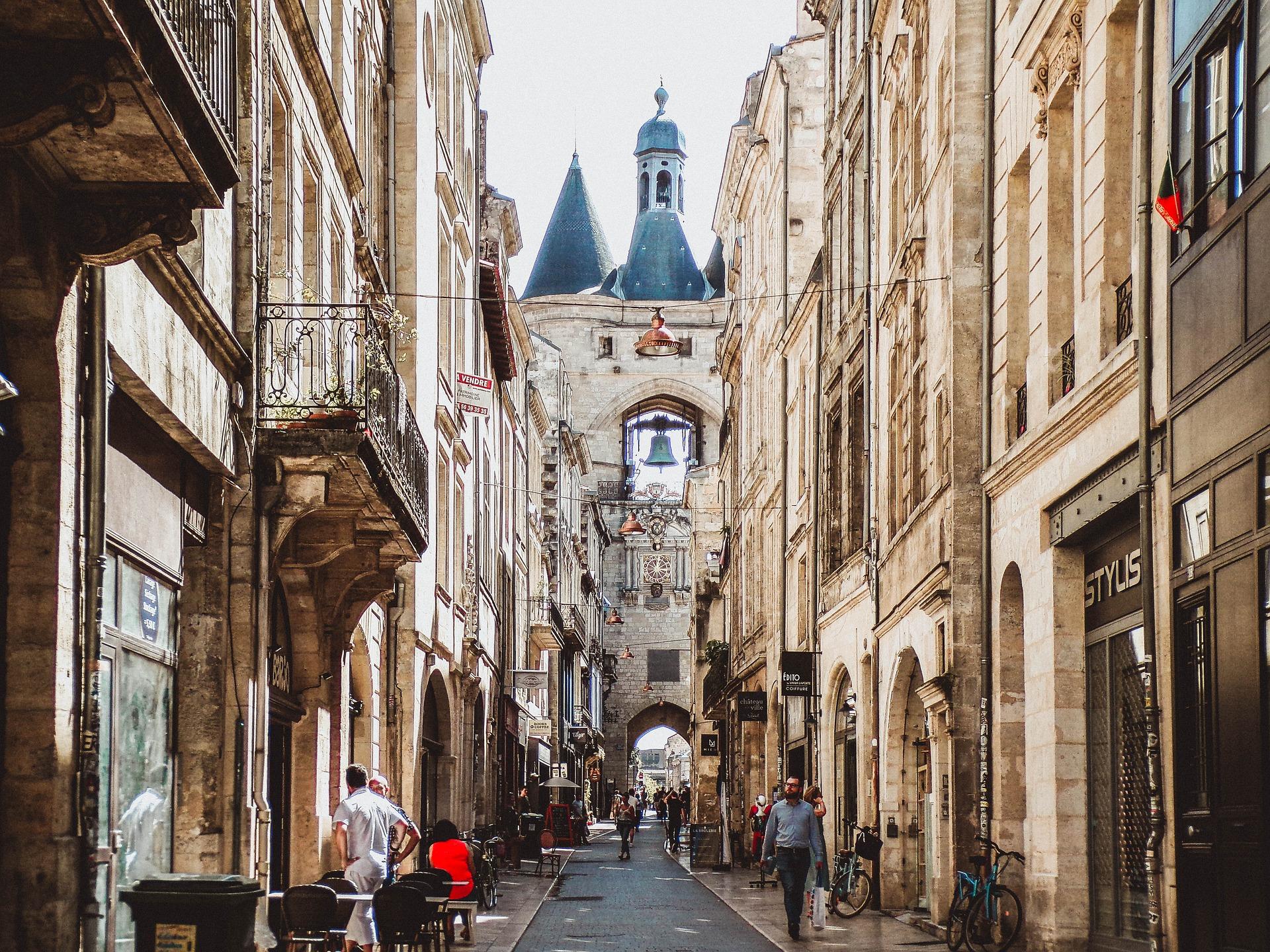 Bordeaux.)